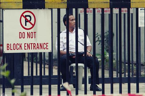 マレーシアでは警備員を信じてはいけない?