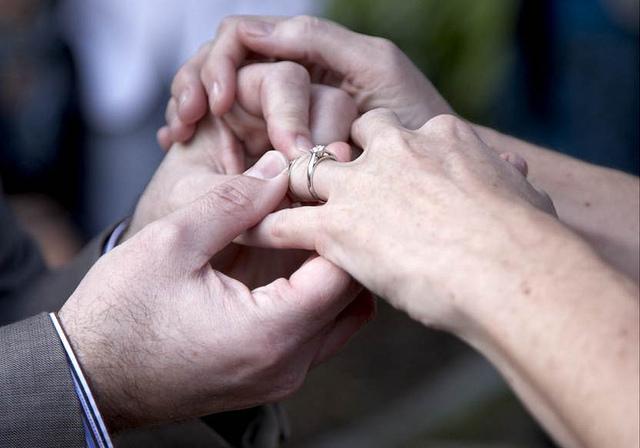 国際結婚の手始め、情報収集のやり方とは?手順、手続き、書類…