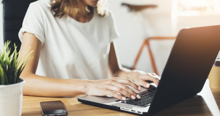 在宅ワークで主婦がブログで稼ぐ仕事とは?子育てでも月10万円の安定収入は可能か
